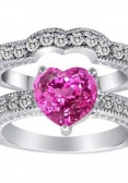 Heart-cut diamong engagement ring