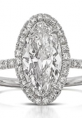 Oval-cut diamond engagement ring